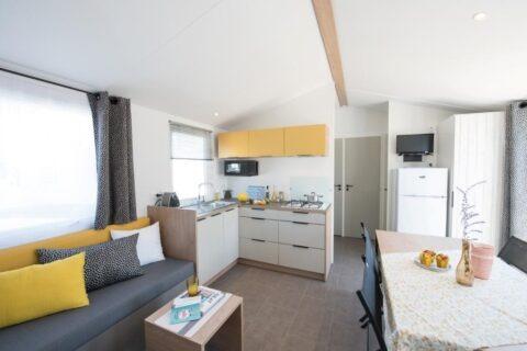 Location-mobil-home-avec-grand-refrigerateur-saint-jean-de-monts-Les-Places-Dorees