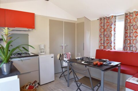 Huur-mobil-home-met-grand-salon-saint-jean-de-monts-Les-Places-Dorees