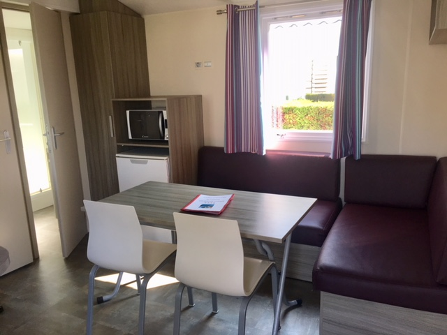 Rent-mobile-home-spacious-vendee-Les-Places-Dorees