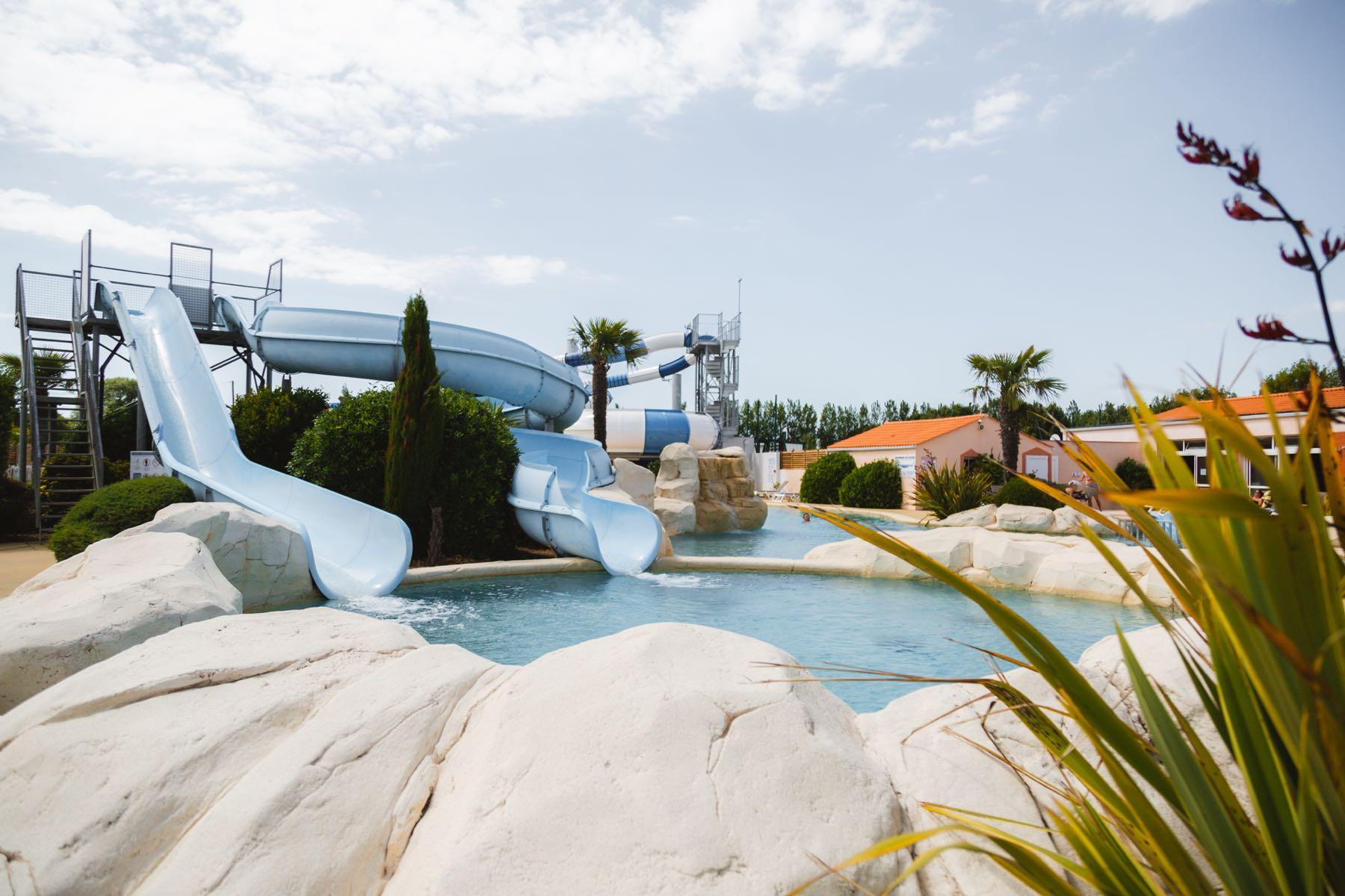 Espace-aquatique-camping-vendee-4-etoiles-Saint-Jean -de-Monts-Camping-Les-Places-Dorées-2