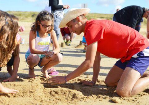 camping-vendee-activite-enfants-plage-saint-jean-de-monts-Les-Places-Dorees