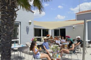 camping-vendee-bar-restaurant-saint-jean-de-monts-Les-Places-Dorees