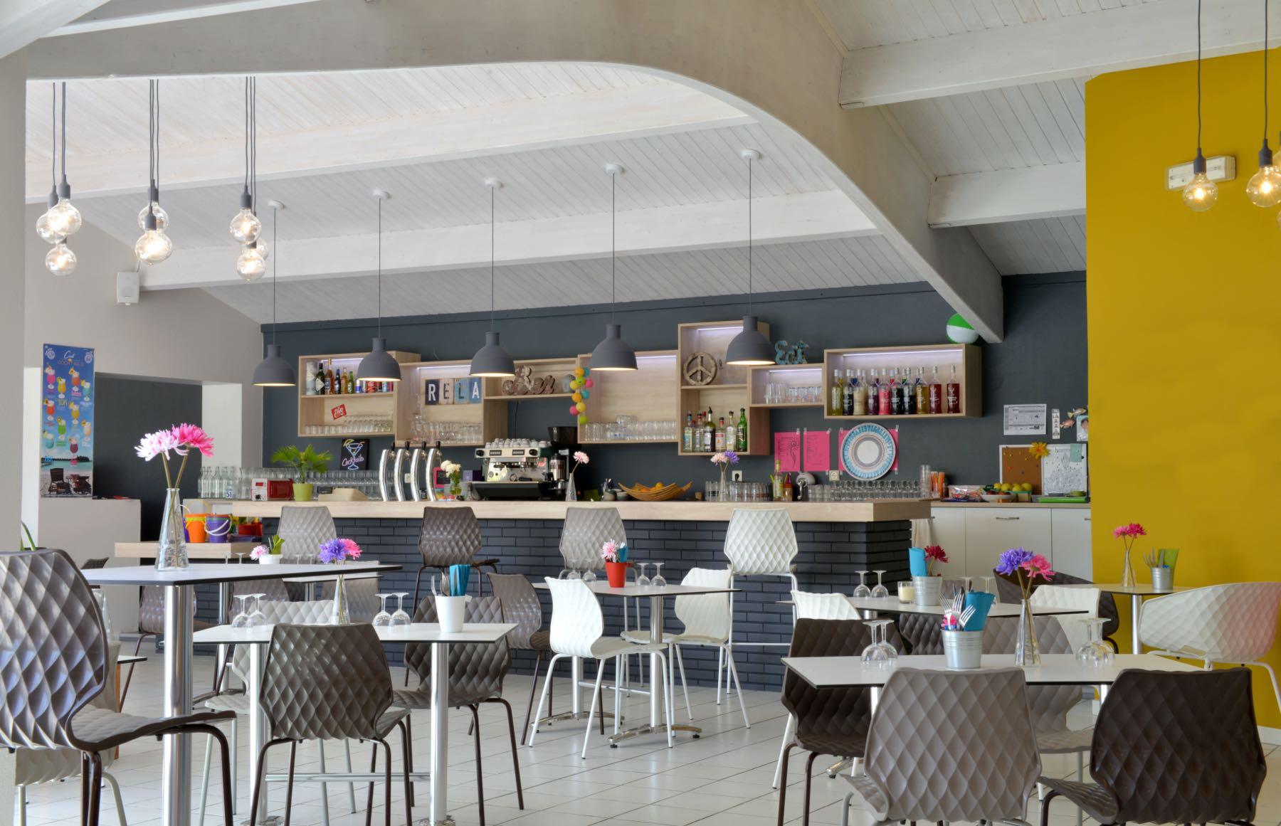camping-vendee-restaurant-saint-jean-de-monts-Les-Places-Dorees