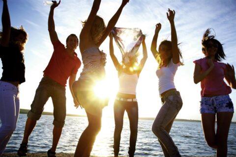 camping-vendee-soirees-tieners-boom-saint-jean-de-monts-Les-Places-Dorees
